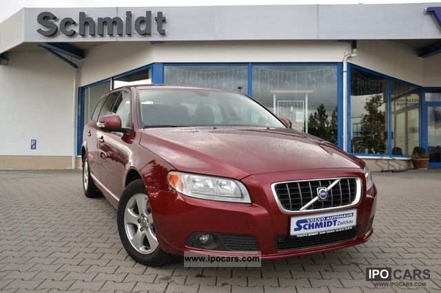 2007 Volvo  V70 D5 Aut. Momentum Estate Car Used vehicle photo