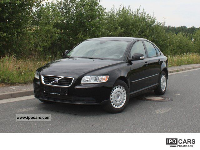 2010 volvo s40 1 6 kinetic car photo and specs. Black Bedroom Furniture Sets. Home Design Ideas