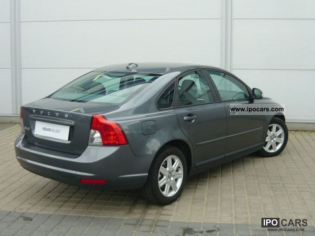 2010 volvo s40 d kinetic car photo and specs. Black Bedroom Furniture Sets. Home Design Ideas