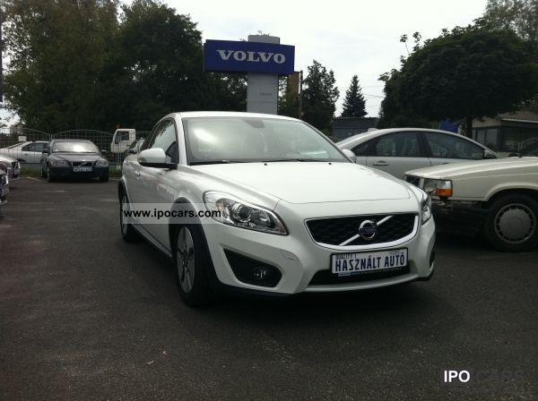 2010 Volvo C30 1 6d Drive Momentum Car Photo And Specs