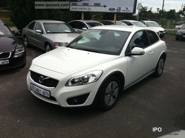2010 Volvo C30 1.6D DRIVe Momentum - Car Photo and Specs