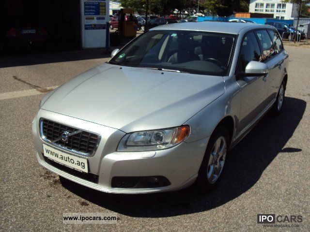 2009 volvo v70 2 4d automatic momentum car photo and specs. Black Bedroom Furniture Sets. Home Design Ideas