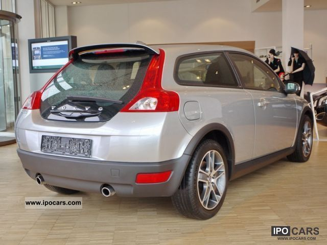 2008 volvo c30 d5 summum leather car photo and specs. Black Bedroom Furniture Sets. Home Design Ideas