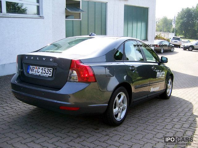 2010 volvo s40 1 8 kinetic car photo and specs. Black Bedroom Furniture Sets. Home Design Ideas