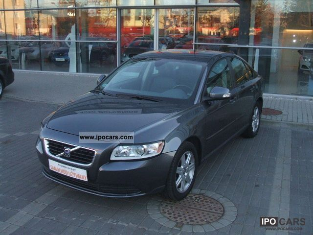 2010 Volvo  S40 Limousine Used vehicle photo