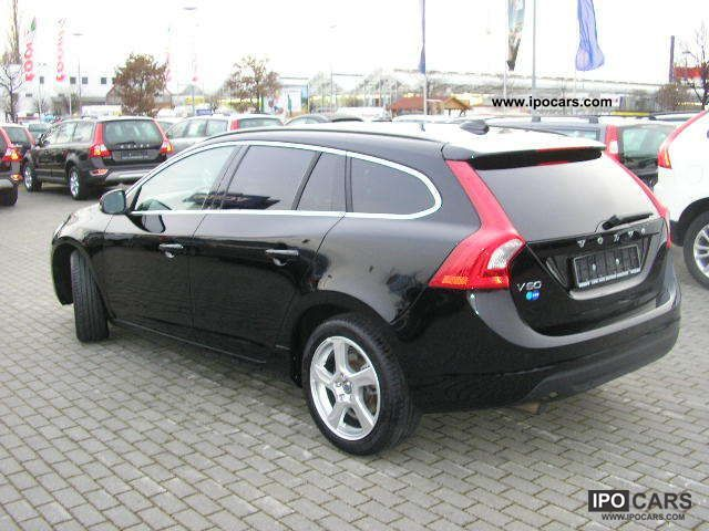 2011 volvo v60 d3 momentum car photo and specs. Black Bedroom Furniture Sets. Home Design Ideas