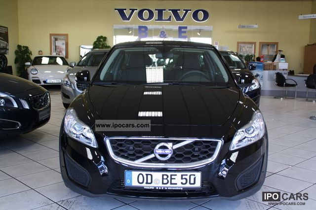 2012 Volvo  C30 D2 Kinetic heated seats cruise control Limousine Demonstration Vehicle photo