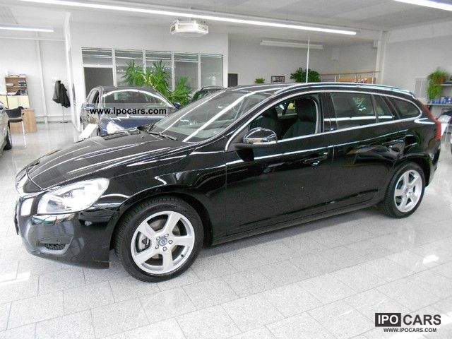 2011 volvo v60 drive momentum upe 35 380 car photo and specs. Black Bedroom Furniture Sets. Home Design Ideas