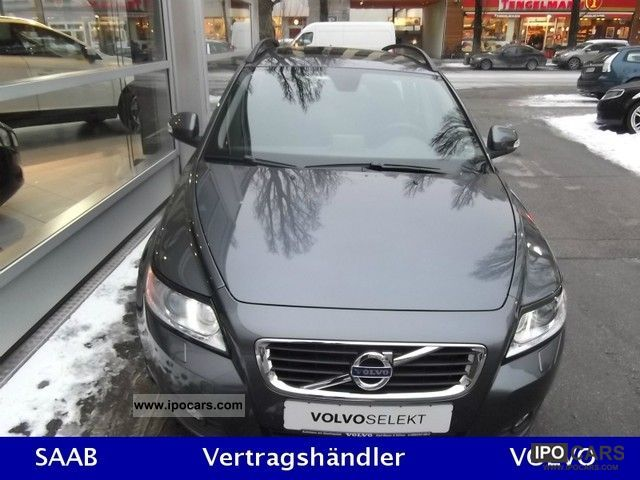 2011 Volvo V50 1.6D DRIVe Momentum DPF Estate Car Used vehicle photo 1