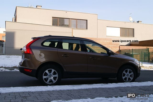 2009 volvo xc60 2 4d awd kinetic car photo and specs. Black Bedroom Furniture Sets. Home Design Ideas