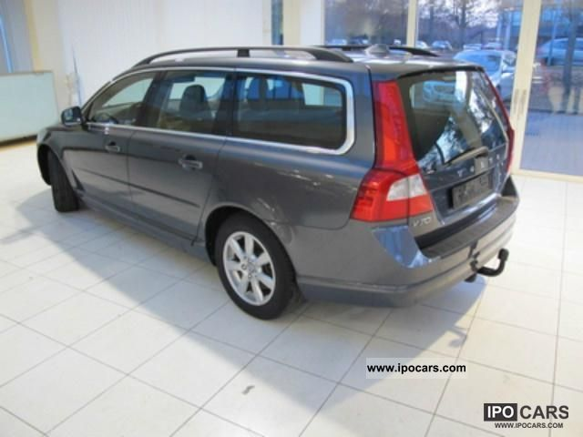 2010 Volvo V70 DRIVe Momentum with DPF Estate Car Used vehicle photo 6