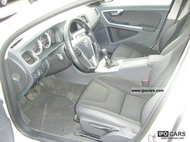 2011 Volvo V60 DRIVe Estate Car Used vehicle photo 7