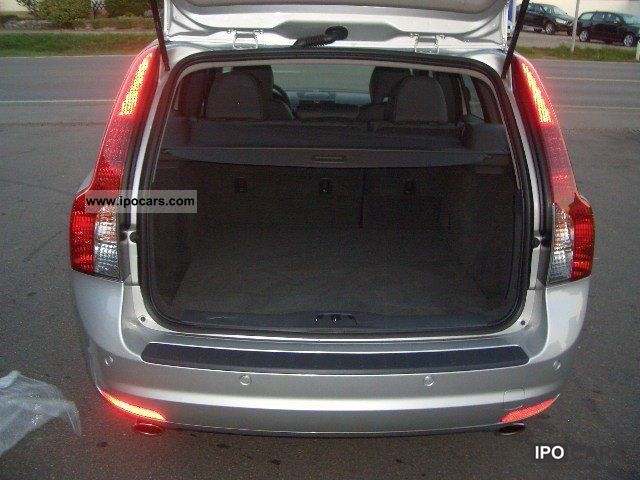2011 Volvo V50 D3 Pro Business Edition Estate Car Used vehicle photo 3