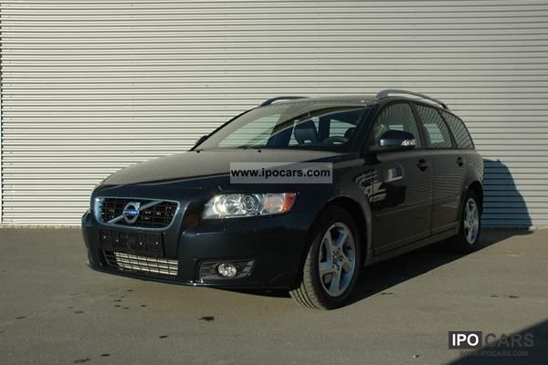 Volvo V50 D3 Auto Business Pro Edition - CAMP 2011 New vehicle photo