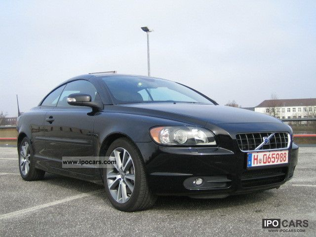 2010 volvo c70 t5 aut momentum car photo and specs. Black Bedroom Furniture Sets. Home Design Ideas