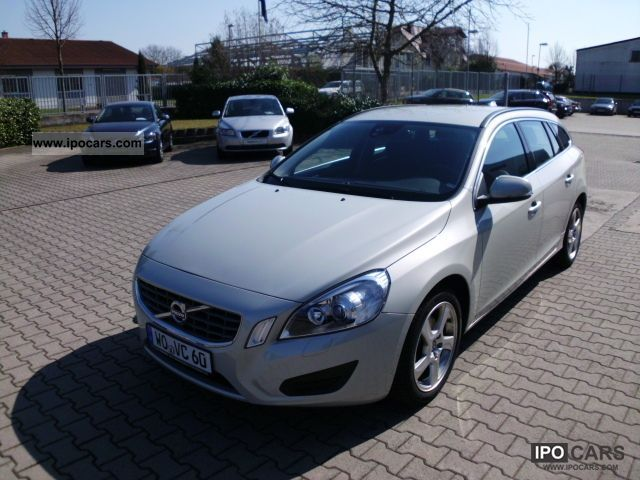 2010 Volvo V60 D3 Momentum Estate Car Demonstration Vehicle photo