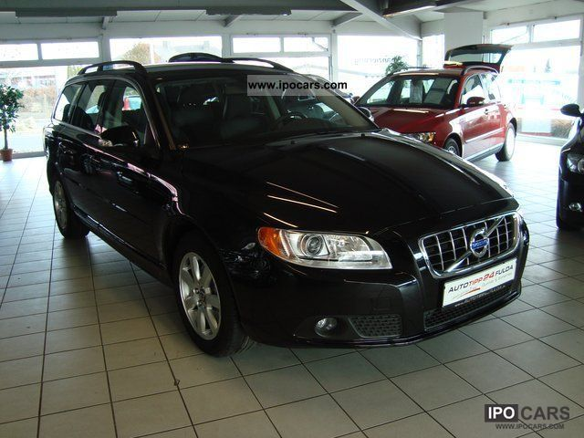 2011 Volvo  V70 D3 Momentum.Xenon.Standheizung.Leder Estate Car Employee's Car photo