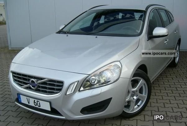 2010 Volvo V60 2.0T Momentum Estate Car Used vehicle photo