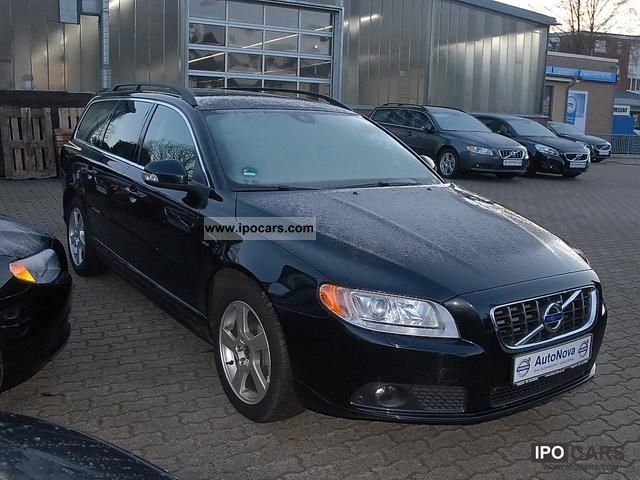 2011 volvo v70 d5 dpf momentum car photo and specs. Black Bedroom Furniture Sets. Home Design Ideas