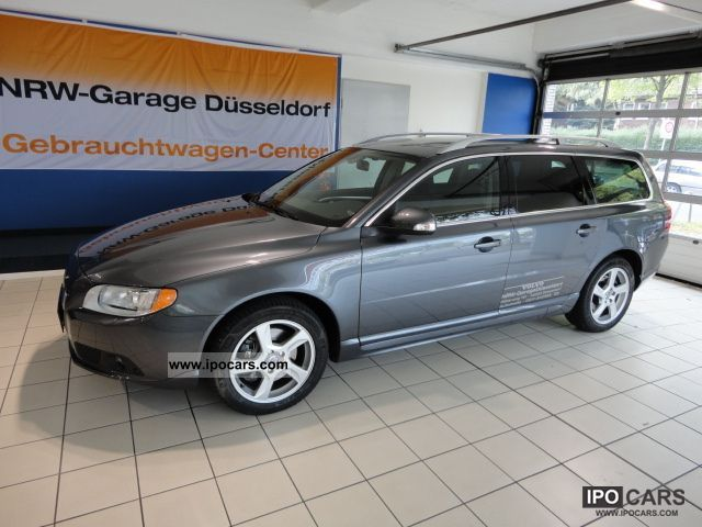 2011 Volvo  V70 D5 Aut. Summum * Leather / Navi / Xenon * Estate Car Used vehicle photo