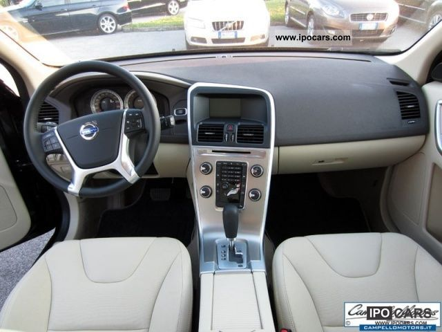 2012 Volvo XC60 D5 AWD Geartronic Momentum Km.0 - Car Photo and Specs