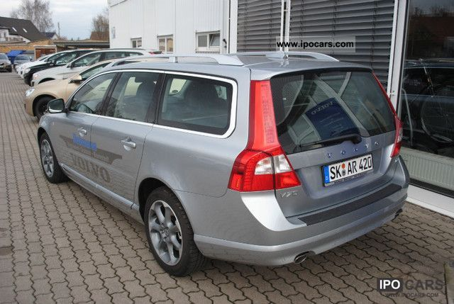 2012 volvo v70 d5 geartronic ocean race car photo and specs. Black Bedroom Furniture Sets. Home Design Ideas