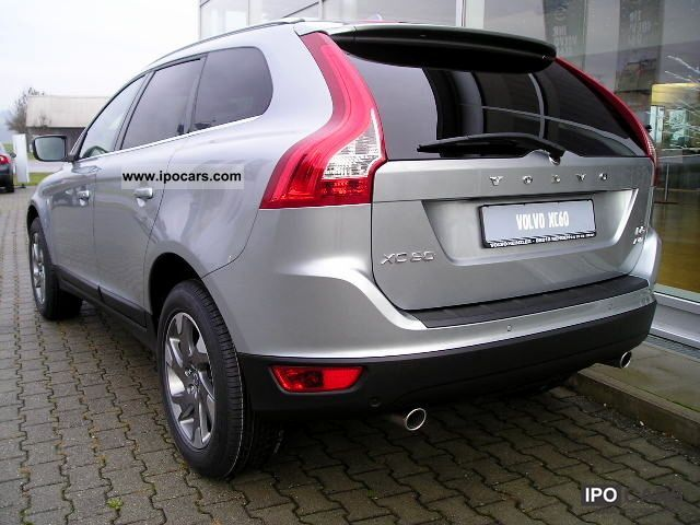 2012 Volvo XC60 D5 AWD Aut. Ocean Race + + NAVI XENON + MJ12 - Car Photo and Specs