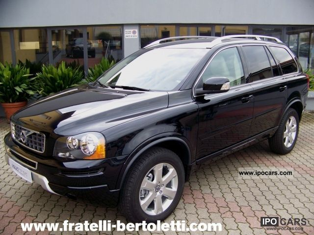 2011 Volvo  XC 90 XC90 D5 AWD Geartronic Momentum 7P. 200cv Off-road Vehicle/Pickup Truck Pre-Registration photo
