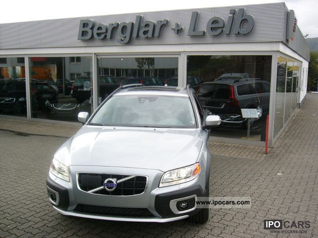 2011 Volvo  XC70 D5 AWD Ocean Race Aut. / MJ 2012/VolvoOnCall Estate Car New vehicle photo
