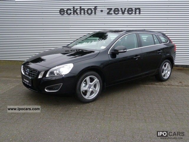 2012 volvo v60 d3 163ps automatic summum dpf euro5 car photo and specs. Black Bedroom Furniture Sets. Home Design Ideas