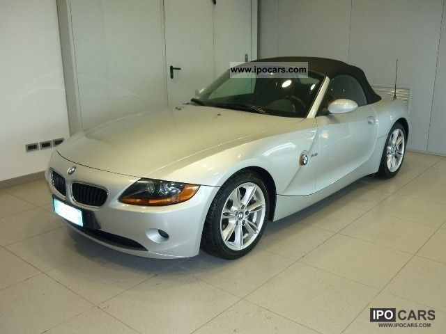 2004 BMW  Z4 Roadster 2.2i cat Cabrio / roadster Used vehicle photo