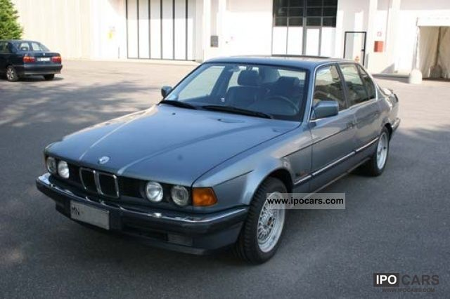 1988 BMW  735 i (E32) Limousine Classic Vehicle photo