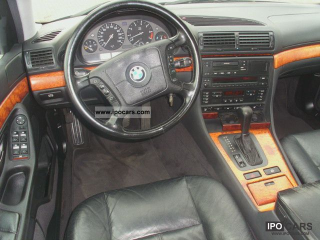 1994 BMW 730i VOL Limousine Used Vehicle Photo 4