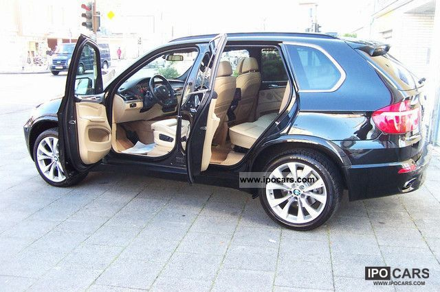 2008 BMW  X5 4.8i M Spoartpaket / Navi / Panorama / DVD in the rear Limousine Used vehicle photo
