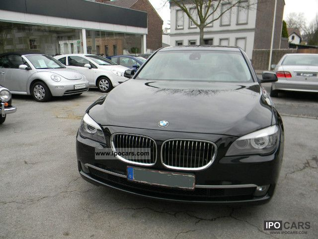 2010 BMW  730D HeadUp DYNM.DRIVE INTEGRAL RÜCKFAHRK. Limousine Used vehicle photo