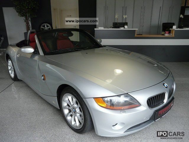 2004 BMW  Z4 2.5i Sport / Leather / Xenon / Navi Cabrio / roadster Used vehicle photo