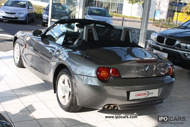 2004 BMW  Z4 2.2i Leather / Sitzhzg. / PDC / Air Cabrio / roadster Used vehicle photo