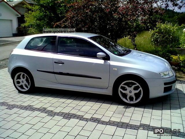 2002 fiat stilo 1 2 16v active car photo and specs. Black Bedroom Furniture Sets. Home Design Ideas