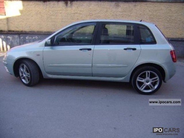 2004 fiat stilo 1 9 dynamic jtd 115cv 5p car photo and specs. Black Bedroom Furniture Sets. Home Design Ideas