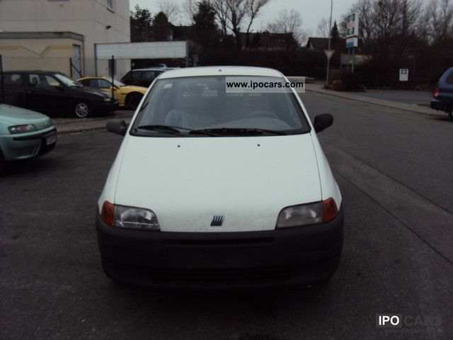 1998 Fiat  Punto TD Cult Small Car Used vehicle photo