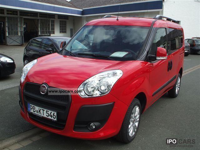 2011 Fiat  Doblo Family 7 seater Dynamic 1.4 16 V m. Klimaa Van / Minibus Demonstration Vehicle photo