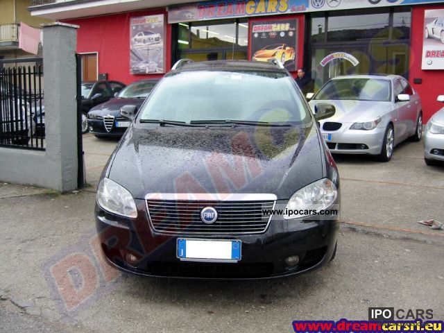 2006 Fiat  Aut Croma 2.4 20V Mjt emotion. Limousine Used vehicle photo