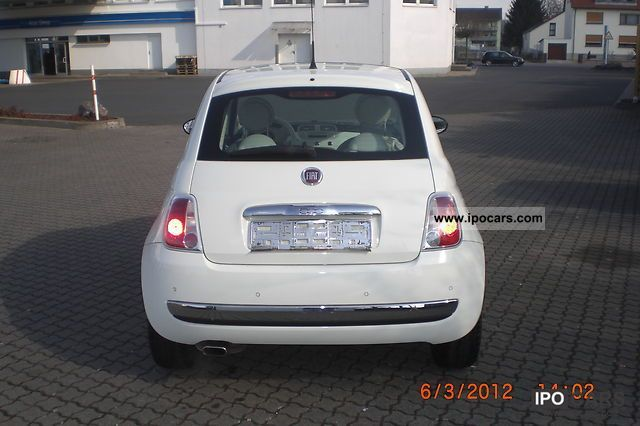 2007 Fiat 500 1.4 16v Lounge Small Car Used vehicle photo 2