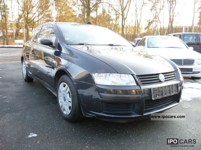 2004 Fiat  Stilo 1.6 16V, air, panoramic roof, checkbook Limousine Used vehicle photo
