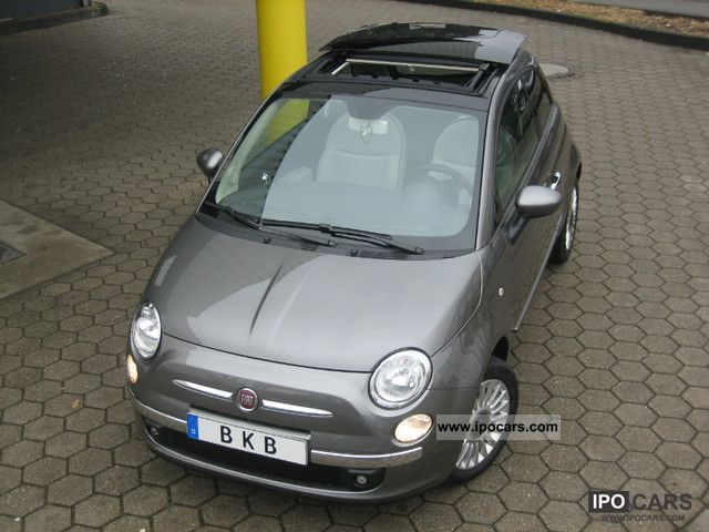 2011 Fiat  500 climate control sunroof Parktronic Small Car Pre-Registration photo
