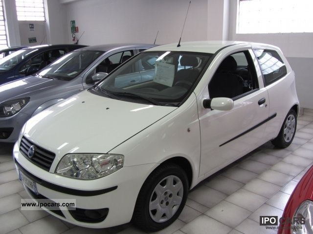 2004 fiat punto 1 3 multijet 16v dynamic 3 porte car photo and specs. Black Bedroom Furniture Sets. Home Design Ideas