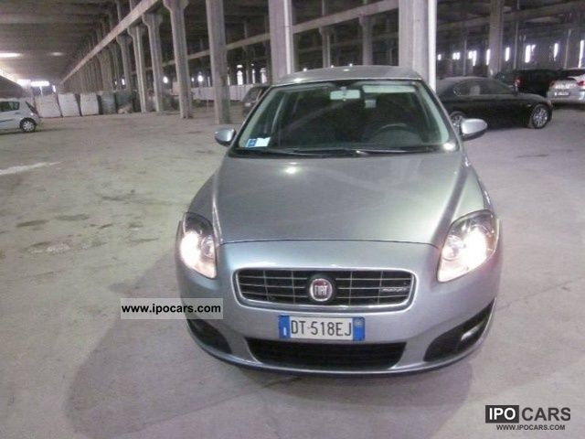 2008 Fiat  Croma 1.9 16v 150CV MJET DYN Estate Car Used vehicle photo