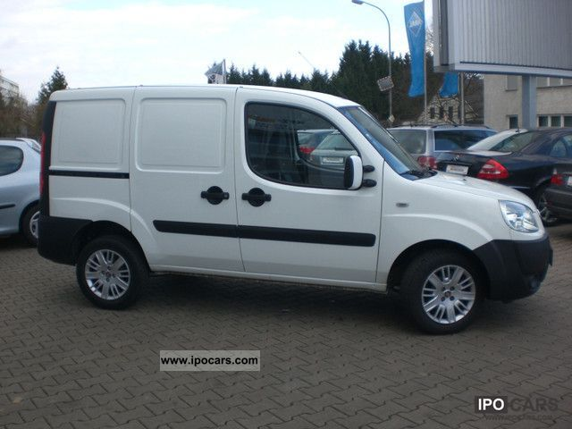 2009 fiat doblo cargo jtd 223 from a hand car photo and specs. Black Bedroom Furniture Sets. Home Design Ideas