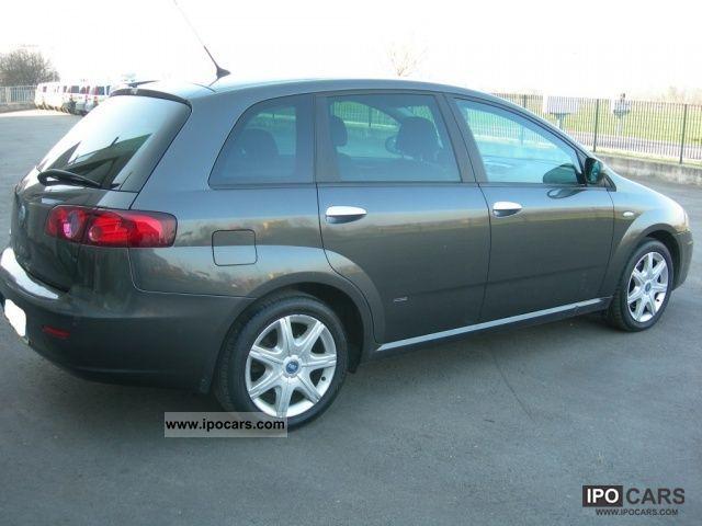 2006 Fiat  Croma 2400 jtd Estate Car Used vehicle photo