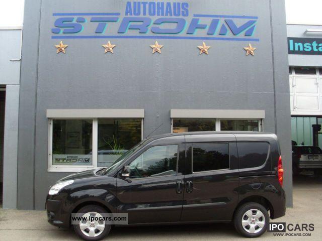 2011 Fiat  Combi Doblo Cargo SX, Euro 5, Start & Stop Climate Estate Car New vehicle photo